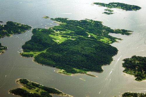 Helicopter ride from Oslo Norway over Island Golf clubs
