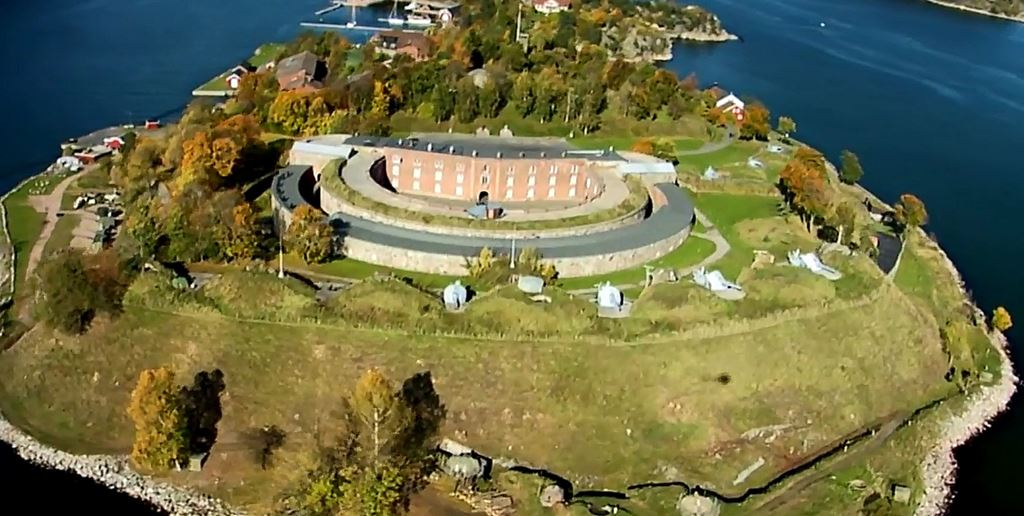Helicopter rental from Oslo Norway over Oscarsborg Fortress